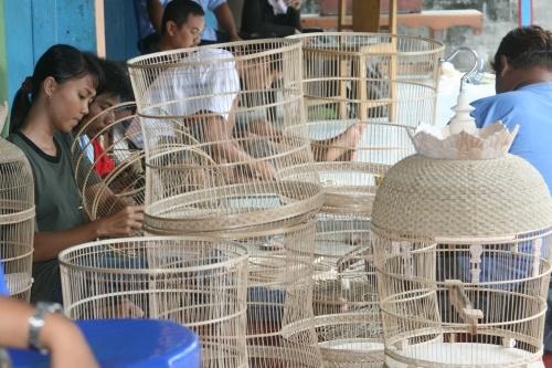 Kerajinan Kandang Burung